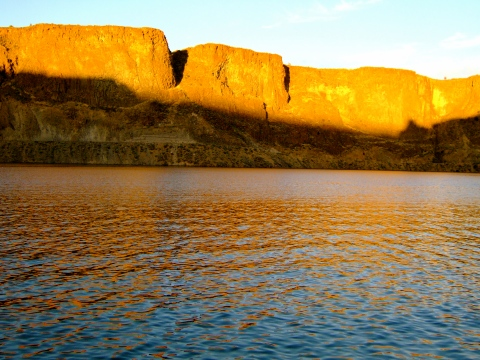 cliffs.late light reflections h2